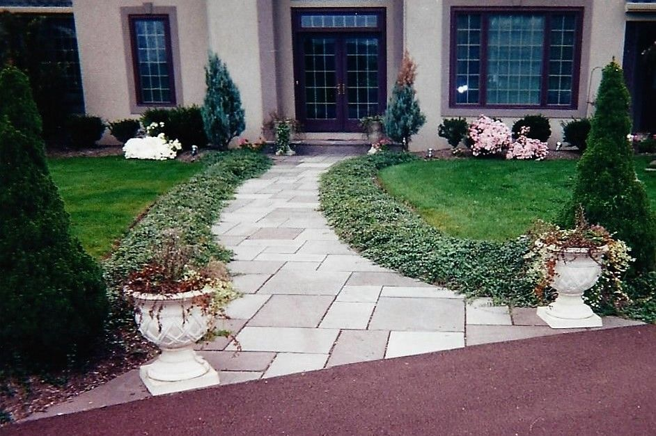 Curved Bluestone Walkway Detail