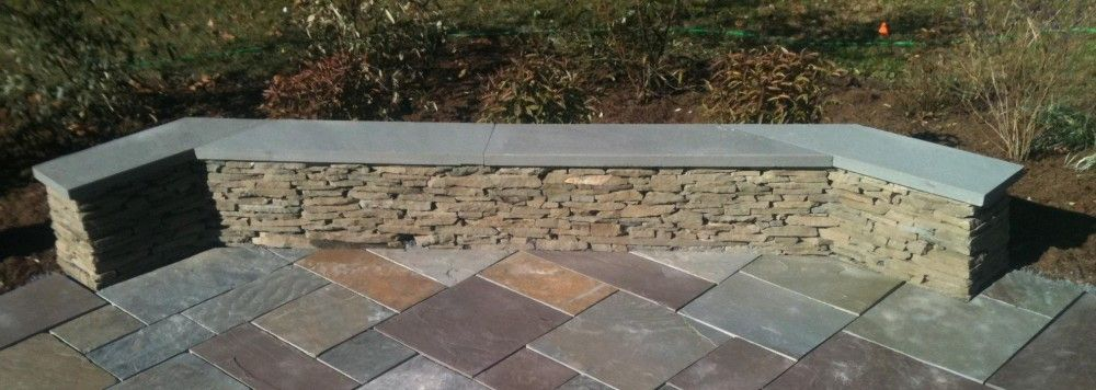 Colonial Wall with Bluestone Cap Detail